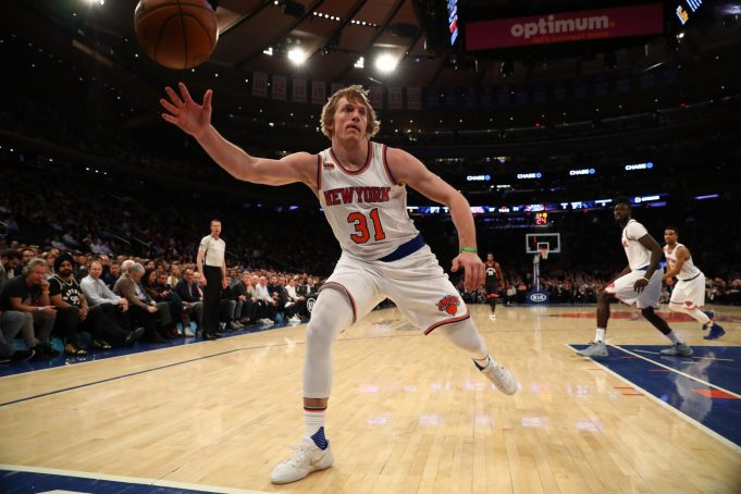 New York Knicks Announce Signings of Ron Baker, Damyean Dotson