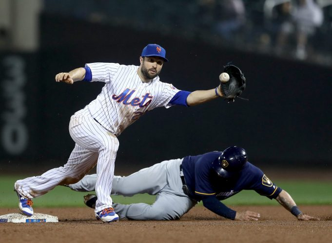 New York Mets: Neil Walker, Not Dominic Smith, Will Play First Base Tuesday Night 1