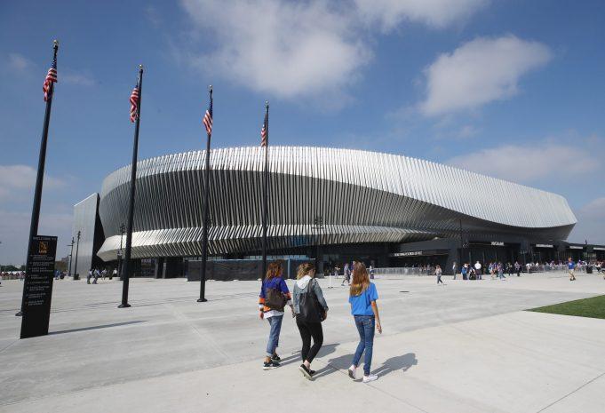 New York Islanders: A Permanent Return to Nassau Coliseum Won't Work 2