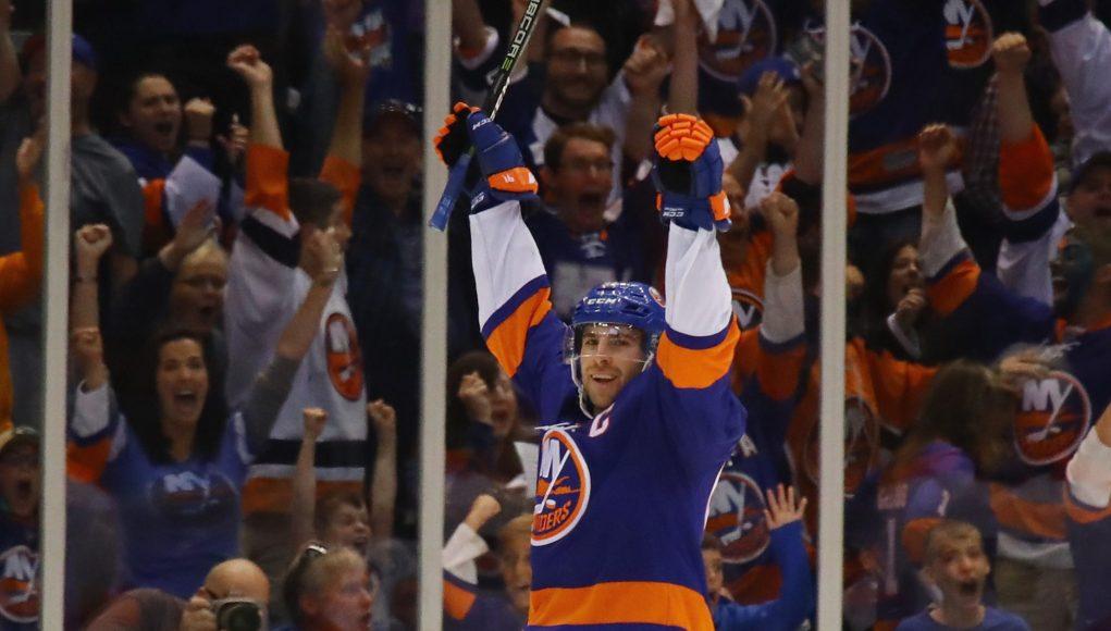 New York Islanders Fans Celebrate Nassau Coliseum Homecoming