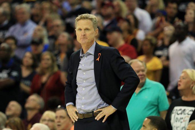 New York Knicks News Mix, 9/7/17: Steve Kerr Laughing At Phil Jackson's Offer