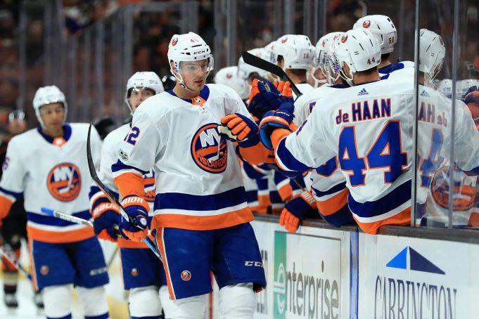 New York Islanders: Scott Mayfield Proving His Top Four Worth