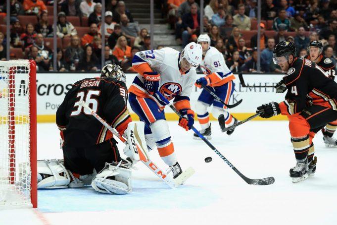 New York Islanders' Hapless Powerplay Seals 3-2 Loss to Ducks (Highlights)