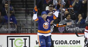 John Tavares' Hat Trick Lifts New York Islanders Past Coyotes (Highlights)