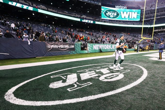It's time for the New York Jets to lock up QB Josh McCown