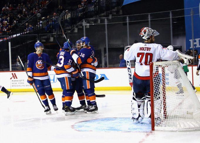 New York Islanders 3, Washington Capitals 1: Jaroslav Halak saves day (Highlights)