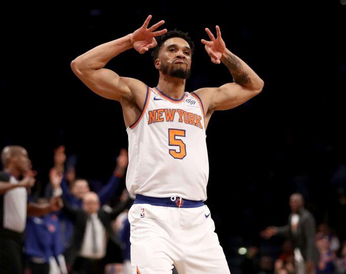 New York Knicks 111, Brooklyn Nets 104: Kristaps Porzingis hurts knee (Highlights)