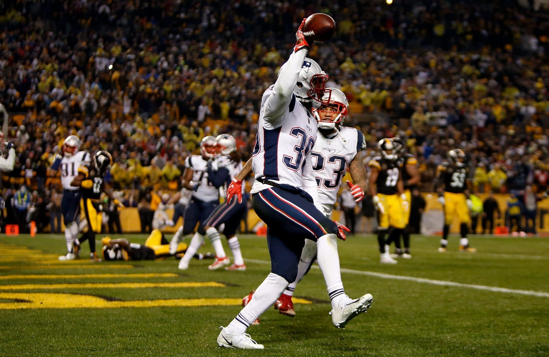 Surviving the catch strikes again: Steelers screwed, Patriots fortunate (Video)