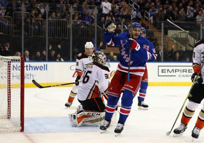 New York Rangers 4, Anaheim Ducks 1: Paul Carey's two goals lead way