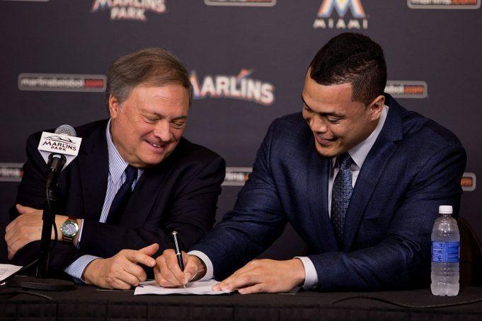 Giancarlo Stanton signs for $325 million
