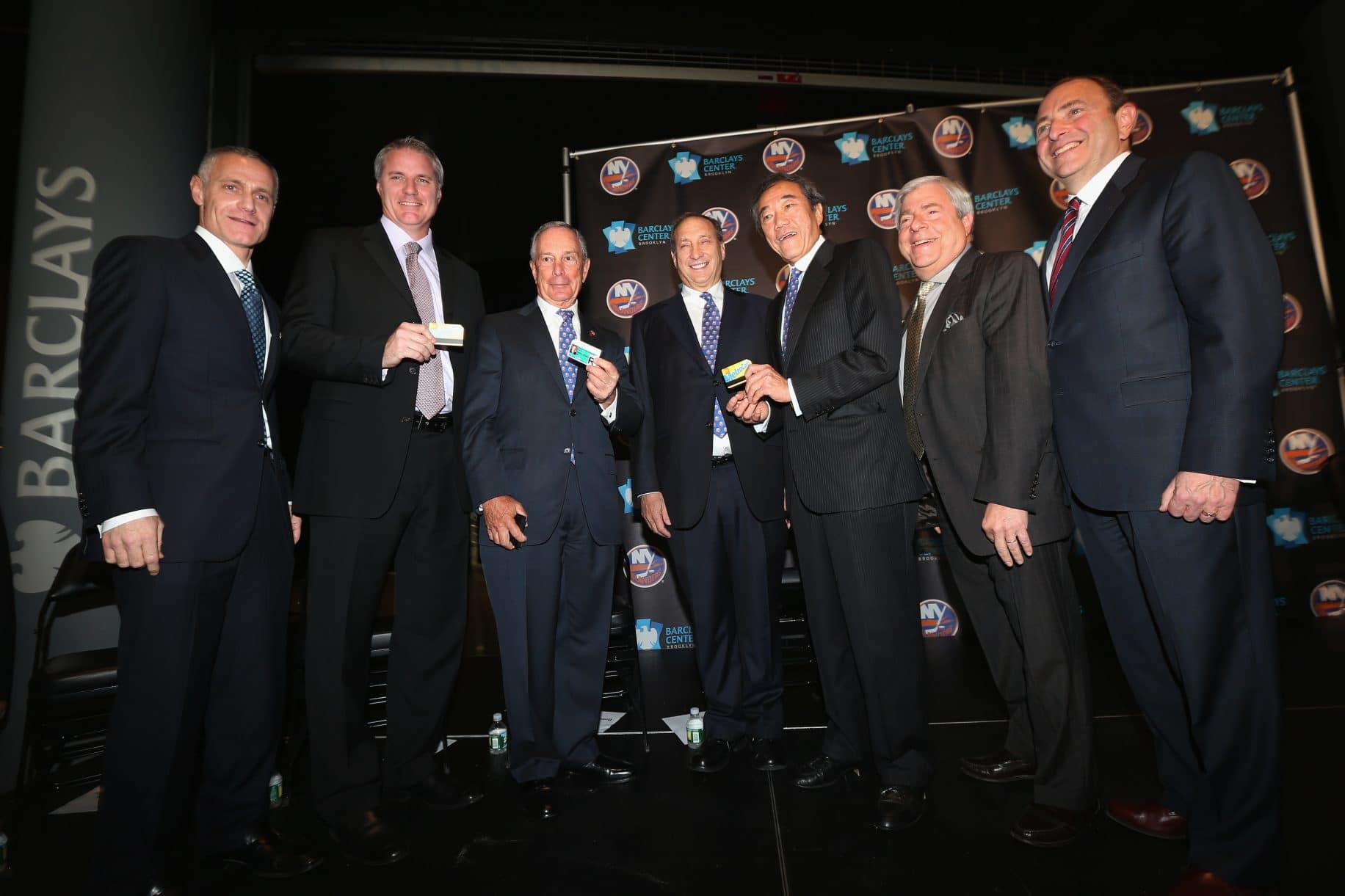 Mayor-bloomberg-and-islanders-owner-announce-plan-for-team-to-play-in-brooklyn