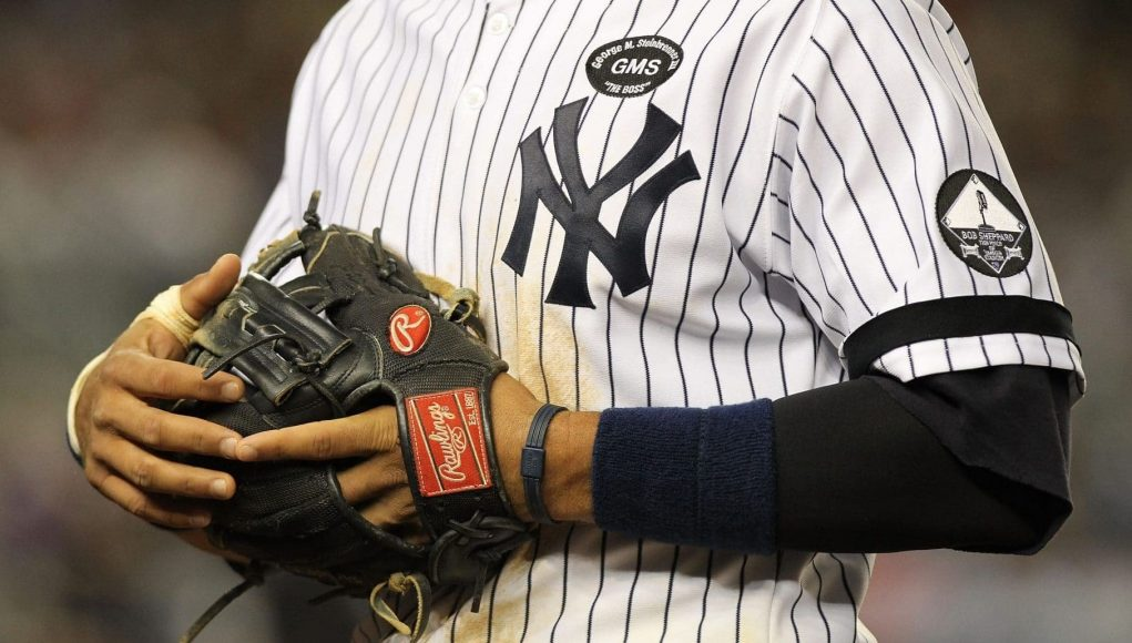 should the new york yankees implement an alternate jersey. Black Bedroom Furniture Sets. Home Design Ideas