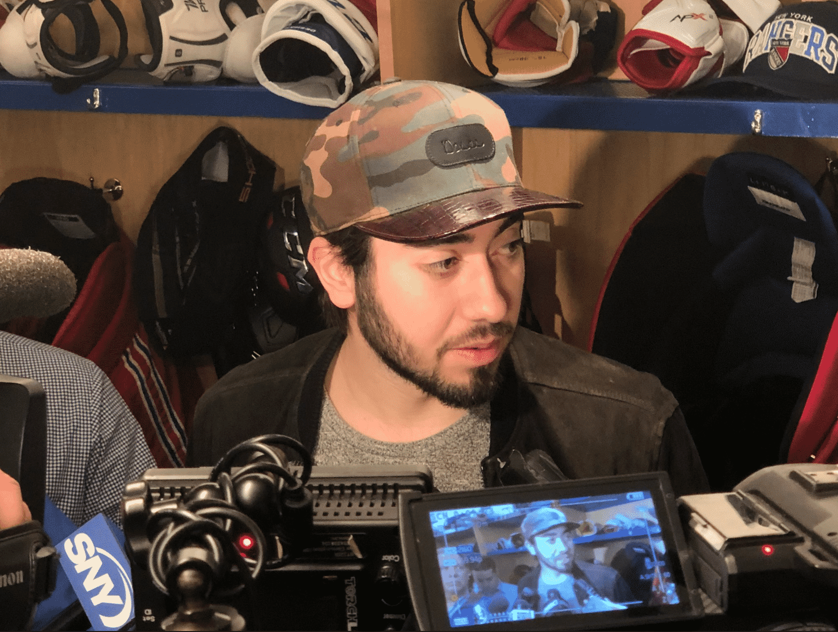 Mika ZIbanejad at the 2017-18 New York Rangers breakup day