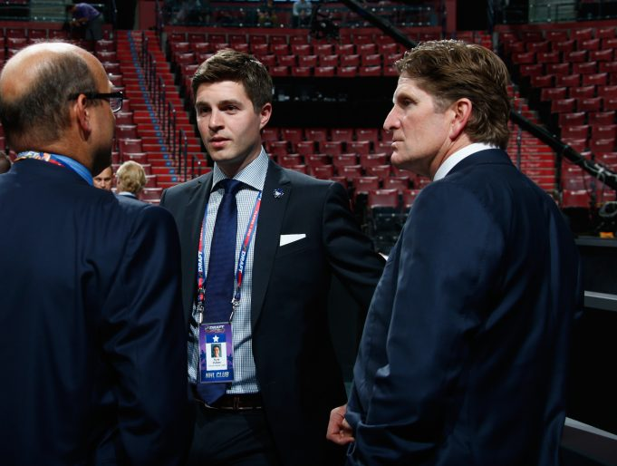 Maple Leafs promote Dubas to GM