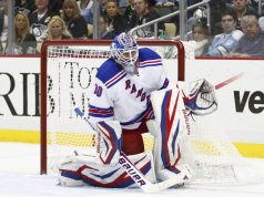 New York Rangers Lundqvist back on the ice