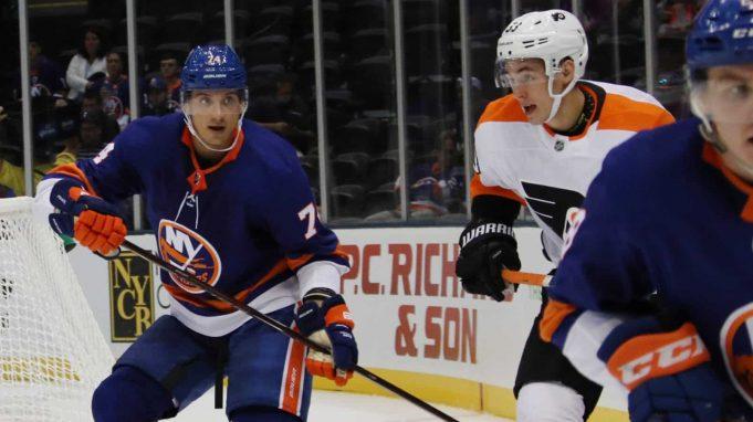 New York Islanders defenseman Luca Sbisa