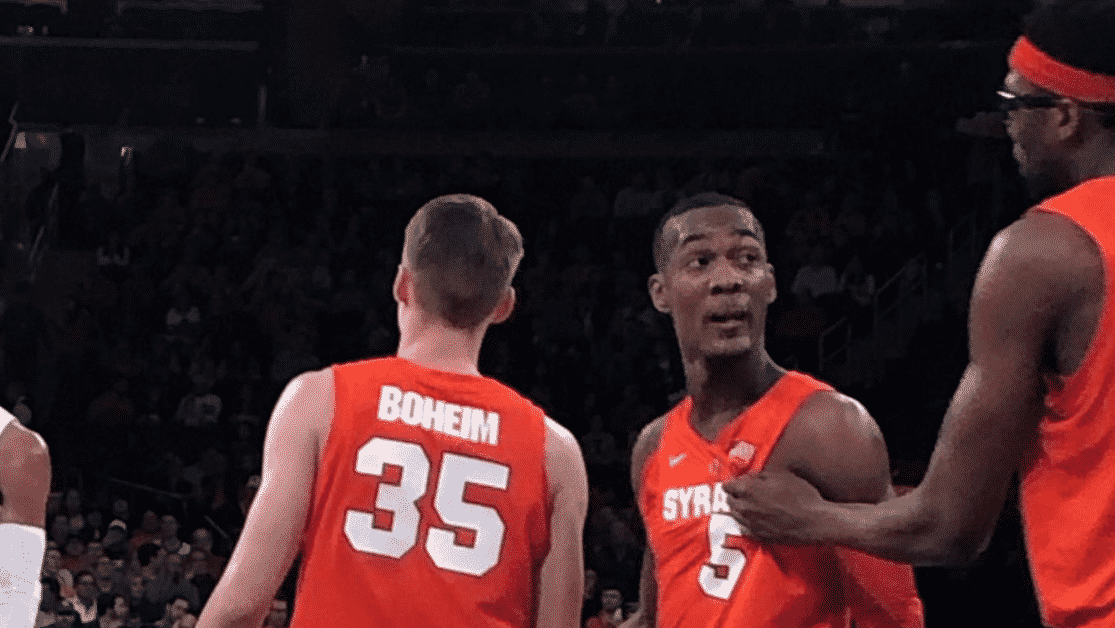 Syracuse Basketball Makes Embarrassing Gaffe On Player S Jersey