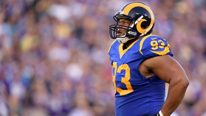 LOS ANGELES, CA - SEPTEMBER 27: Ndamukong Suh #93 of the Los Angeles Rams during the second quarter against the Minnesota Vikings at Los Angeles Memorial Coliseum on September 27, 2018 in Los Angeles, California.
