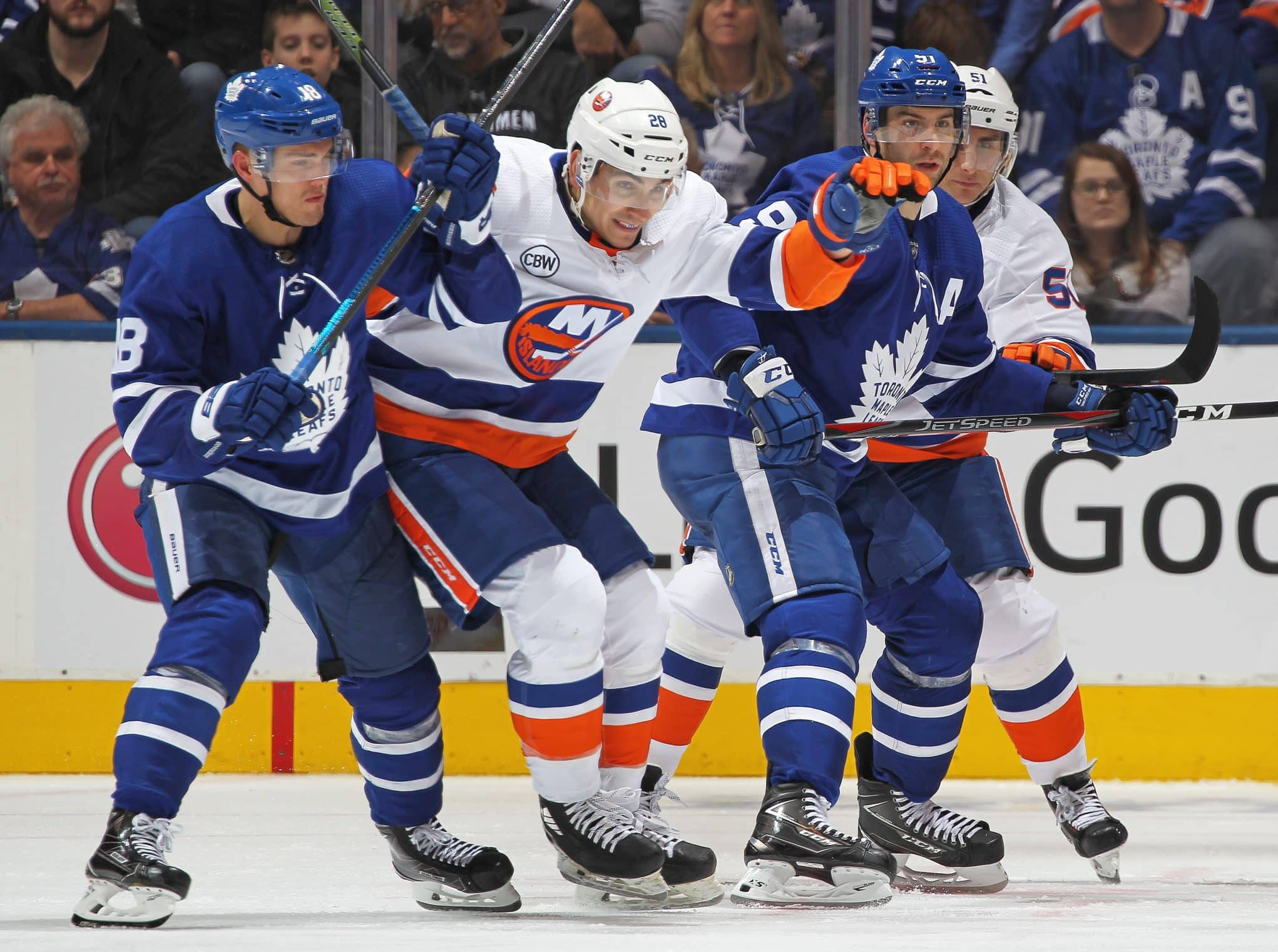 official photos 55299 e4004 Right behind you: New York Islanders approaching Tavares, Leafs