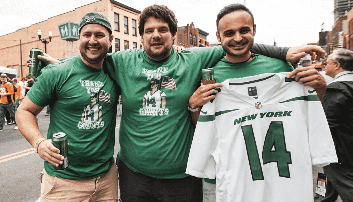 huge discount e2831 1336d New York Jets fans troll Giants with Sam Darnold-inspired shirts