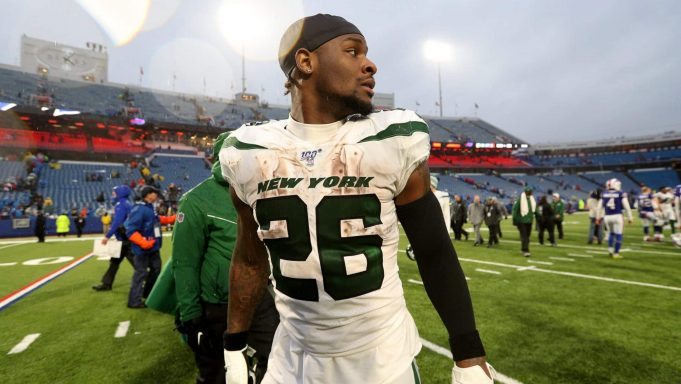 ORCHARD PARK, NEW YORK - DECEMBER 29: Le'Veon Bell #26 of the New York Jets walks off the field after an NFL game against the Buffalo Bills at New Era Field on December 29, 2019 in Orchard Park, New York.