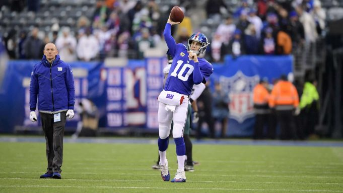 EAST RUTHERFORD, NEW JERSEY - DECEMBER 29: Eli Manning #10 of the New York Giants warms up prior to the game against the Philadelphia Eagles at MetLife Stadium on December 29, 2019 in East Rutherford, New Jersey.