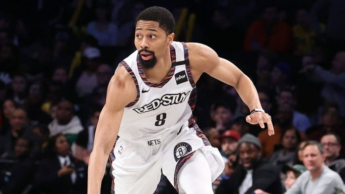 NEW YORK, NEW YORK - JANUARY 18: Spencer Dinwiddie #8 of the Brooklyn Nets in action against the Milwaukee Bucks during their game at Barclays Center on January 18, 2020 in New York City. NOTE TO USER: User expressly acknowledges and agrees that, by downloading and/or using this photograph, user is consenting to the terms and conditions of the Getty Images License Agreement.