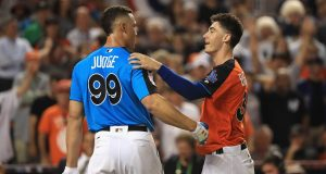 MIAMI, FL - JULY 10: Aaron Judge #99 of the New York Yankees hugs Cody Bellinger #35 of the Los Angeles Dodgers and the National League during the T-Mobile Home Run Derby at Marlins Park on July 10, 2017 in Miami, Florida.