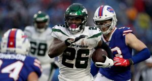 ORCHARD PARK, NEW YORK - DECEMBER 29: Le'Veon Bell #26 of the New York Jets runs the ball during the fourth quarter of an NFL game against the Buffalo Bills at New Era Field on December 29, 2019 in Orchard Park, New York.