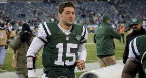 EAST RUTHERFORD, NJ - DECEMBER 23: Tim Tebow #15 of the New York Jets leaves the field after loss to San Diego Chargers at MetLife Stadium on December 23, 2012 in East Rutherford, New Jersey.