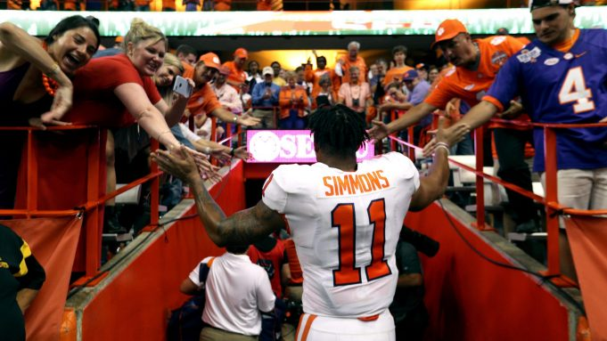 SYRACUSE, NEW YORK - SEPTEMBER 14: Isaiah Simmons #18 of the Clemson Tigers at the Carrier Dome on September 14, 2019 in Syracuse, New York.