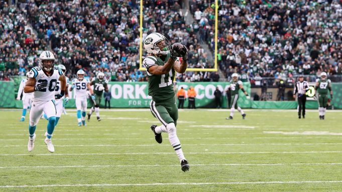 EAST RUTHERFORD, NJ - NOVEMBER 26: Wide receiver Robby Anderson #11 of the New York Jets makes a catch and scores a touchdown during the third quarter of the game at MetLife Stadium on November 26, 2017 in East Rutherford, New Jersey.