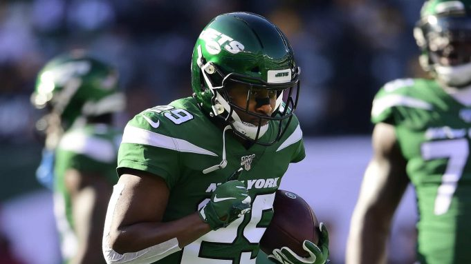 EAST RUTHERFORD, NEW JERSEY - DECEMBER 22: Bilal Powell #29 of the New York Jets warms up prior to the game against the Pittsburgh Steelers at MetLife Stadium on December 22, 2019 in East Rutherford, New Jersey.