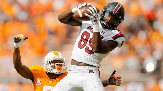 KNOXVILLE, TN - OCTOBER 14: Bryan Edwards #89 of the South Carolina Gamecocks makes a catch defended by Shaq Wiggins #6 of the Tennessee Volunteers during the first half at Neyland Stadium on October 14, 2017 in Knoxville, Tennessee.