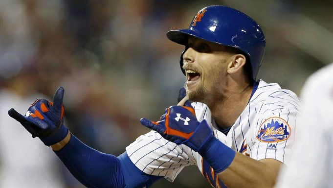 NEW YORK, NEW YORK - JUNE 30: Jeff McNeil #6 of the New York Mets reacts after his eighth inning two RBI single against the Atlanta Braves at Citi Field on June 30, 2019 in New York City.