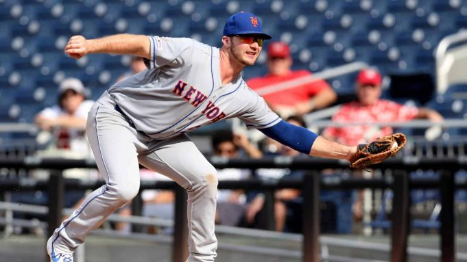 WASHINGTON, DC - SEPTEMBER 04: First baseman Pete Alonso #20 of the New York Mets makes a catch against the Washington Nationals during the ninth inning at Nationals Park on September 04, 2019 in Washington, DC.