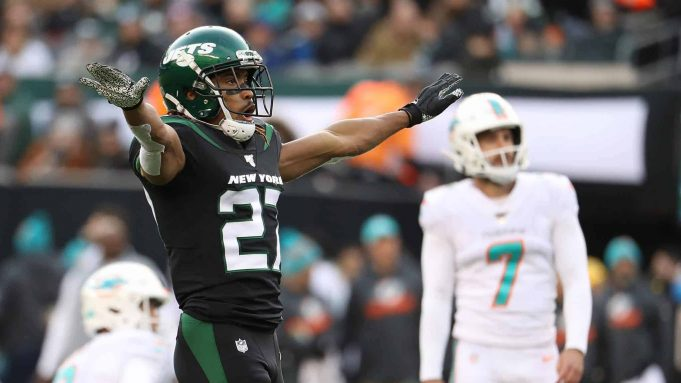 EAST RUTHERFORD, NEW JERSEY - DECEMBER 08: Darryl Roberts #27 of the New York Jets celebrates after Jason Sanders #7 of the Miami Dolphins misses a field goal in the third quarter during their game at MetLife Stadium on December 08, 2019 in East Rutherford, New Jersey.