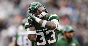 New York Jets strong safety Jamal Adams (33) reacts during the first half of an NFL football game against the Oakland Raiders, Sunday, Nov. 24, 2019, in East Rutherford, N.J.