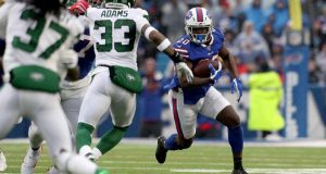 ORCHARD PARK, NEW YORK - DECEMBER 29: Frank Gore #20 of the Buffalo Bills runs the ball during the first quarter of an NFL game against the New York Jets at New Era Field on December 29, 2019 in Orchard Park, New York.