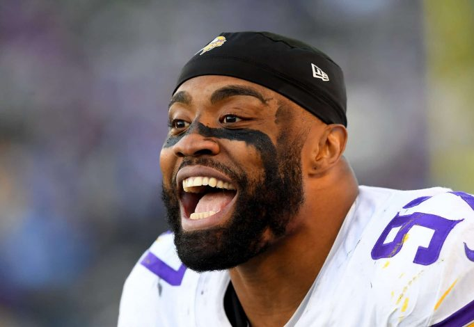 CARSON, CA - DECEMBER 15: Defensive end Everson Griffen #97 of the Minnesota Vikings on the bench in the second half of the game against the Los Angeles Chargers at Dignity Health Sports Park on December 15, 2019 in Carson, California. New York Jets