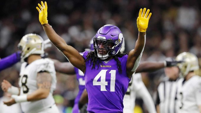 NEW ORLEANS, LOUISIANA - JANUARY 05: Anthony Harris #41 of the Minnesota Vikings reacts during the first half against the New Orleans Saints in the NFC Wild Card Playoff game at Mercedes Benz Superdome on January 05, 2020 in New Orleans, Louisiana.