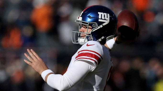 CHICAGO, ILLINOIS - NOVEMBER 24: Daniel Jones #8 of the New York Giants warms up before the game against the Chicago Bears at Soldier Field on November 24, 2019 in Chicago, Illinois.