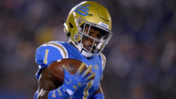 PASADENA, CA - SEPTEMBER 15: Darnay Holmes #1 of the UCLA Bruins juggles a kickoff during the first quarter against the Fresno State Bulldogs at Rose Bowl on September 15, 2018 in Pasadena, California.
