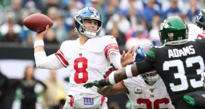 EAST RUTHERFORD, NEW JERSEY - NOVEMBER 10: Daniel Jones #8 of the New York Giants passes against the New York Jets during their game at MetLife Stadium on November 10, 2019 in East Rutherford, New Jersey.