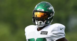 FLORHAM PARK, NEW JERSEY - AUGUST 23: Le'Veon Bell #26 of the New York Jets runs drills at Atlantic Health Jets Training Center on August 23, 2020 in Florham Park, New Jersey.